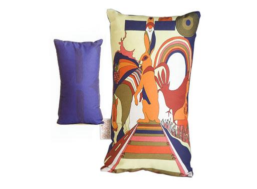 Elsie Dodds cushion R