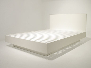 bauhaus bed, plinth base