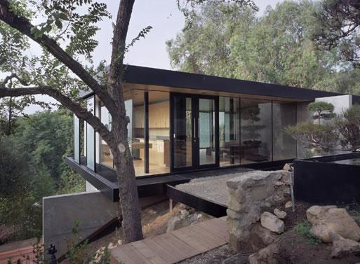 Hilltop House in Pasadena, CA by Ladd/Marmol Radziner
