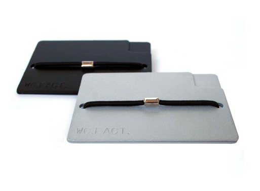 william wallet silver and black