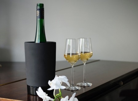 Naturally Cooling Ceramic Wine Cooler