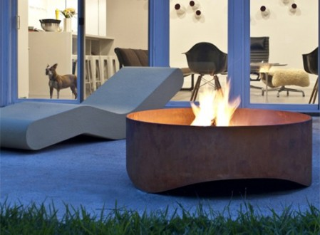 Plodes Wave Outdoor Fire Pit