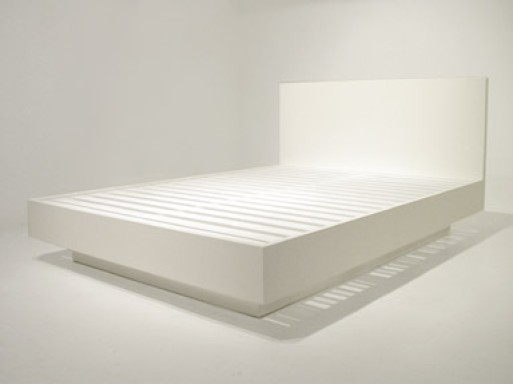 bauhaus bed, plinth base