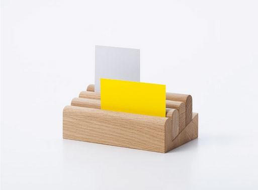 Berra Card Stand