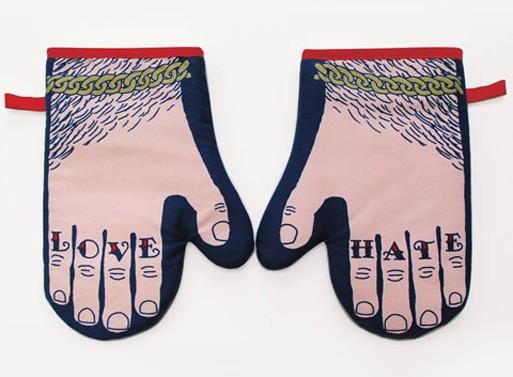 Glove & Hate Oven Mitt