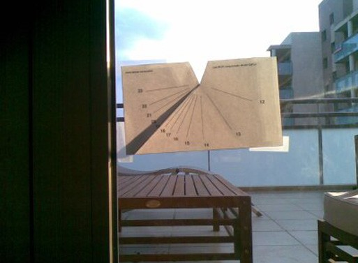 Print-and-fold Vertical Sundial Generator