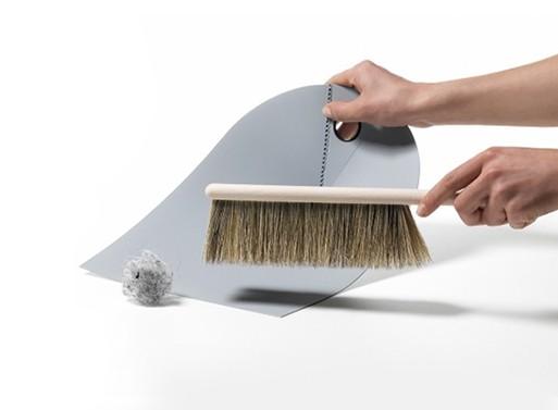 Dustpan and Brush, Ole Jensen