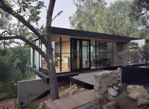 Hilltop House in Pasadena, CA by Ladd/Marmol Radziner
