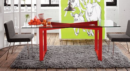 Hotline Dining Table